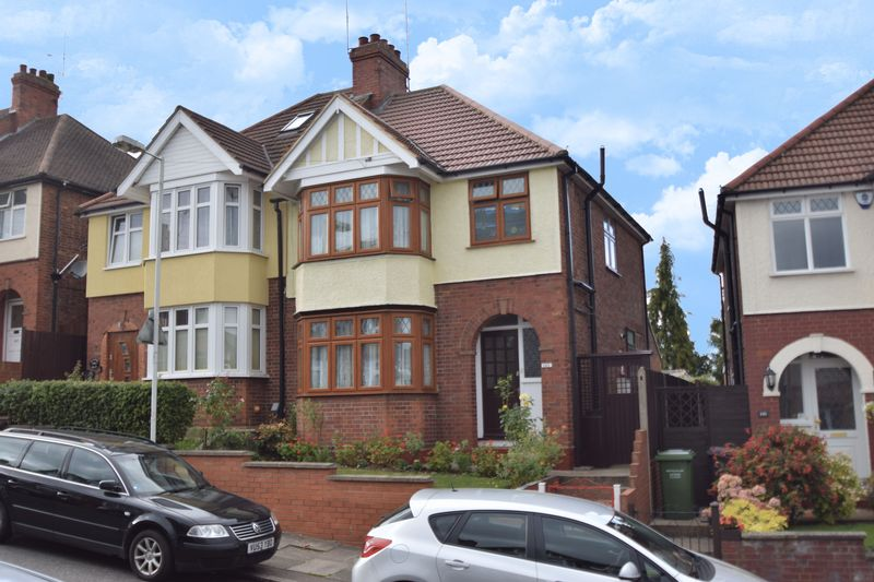 3 bedroom Semi-Detached  to buy in Strathmore Avenue, Luton
