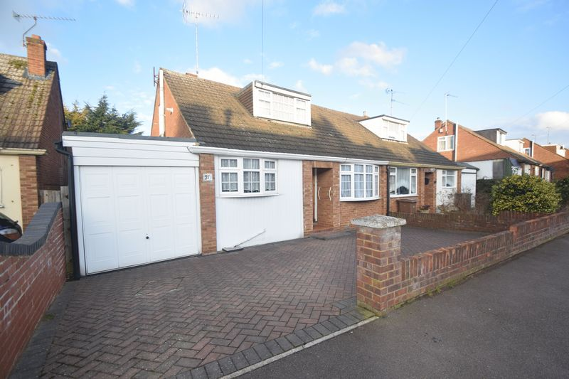 2 bedroom Semi-Detached  to buy in Saywell Road, Luton - Photo 15