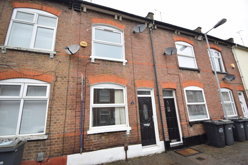 2 bedroom Mid Terrace to rent in Stanley Street, Luton