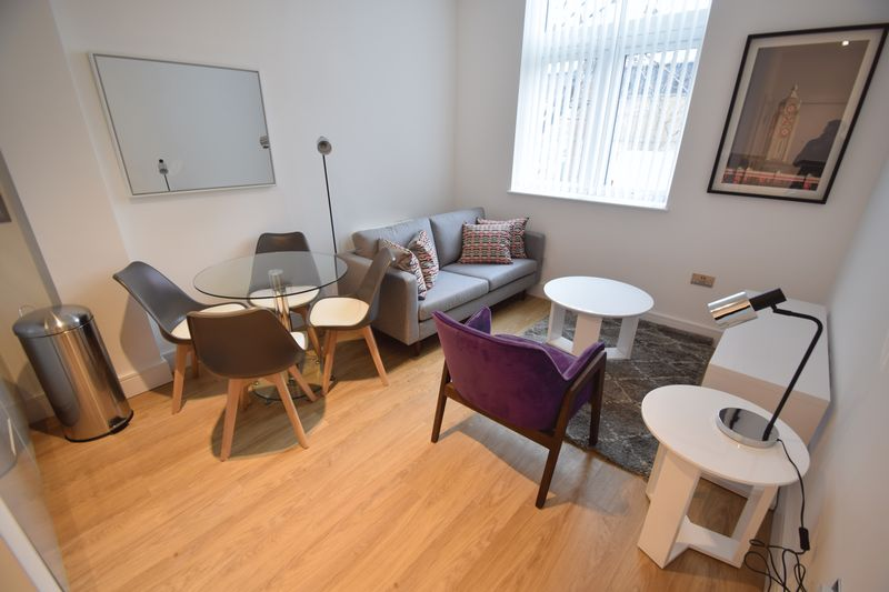 1 bedroom Flat to rent in Laporte Way, Luton - Photo 1