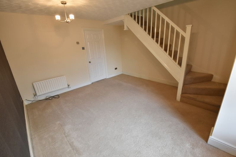 2 bedroom Mid Terrace to rent in Gleneagles Drive, Luton - Photo 14