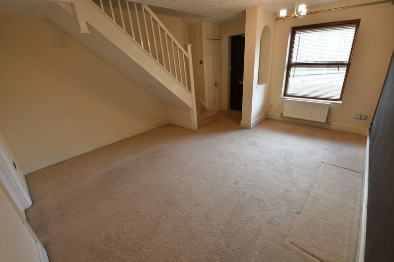 2 bedroom Mid Terrace to rent in Gleneagles Drive, Luton - Photo 15