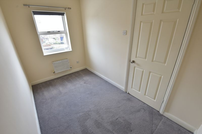 2 bedroom Mid Terrace to rent in Gleneagles Drive, Luton - Photo 18