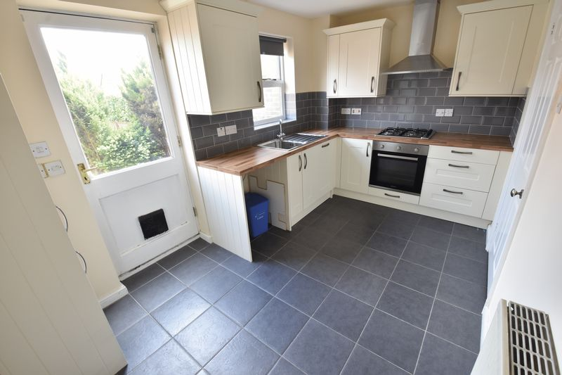 2 bedroom Mid Terrace to rent in Gleneagles Drive, Luton - Photo 21