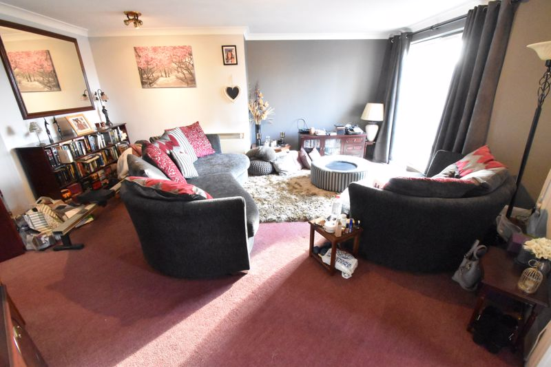 2 bedroom Flat to buy in Knights Field, Luton - Photo 7