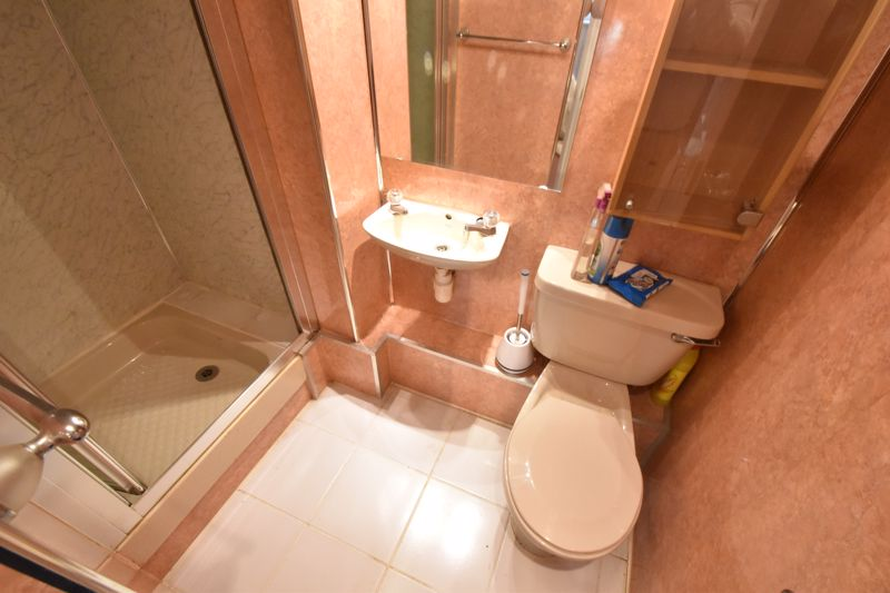 2 bedroom Flat to buy in Knights Field, Luton - Photo 13