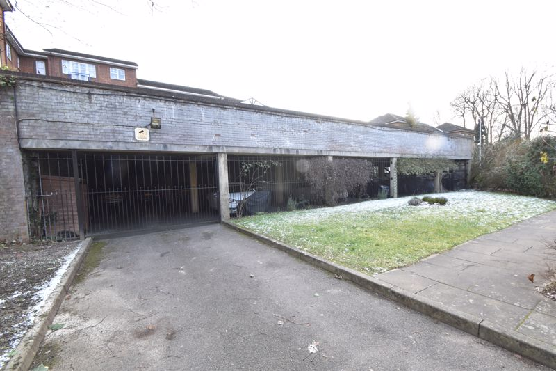 2 bedroom Flat to buy in Knights Field, Luton - Photo 15