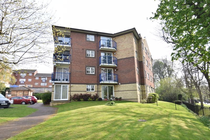 2 bedroom Flat to buy in Knights Field, Luton - Photo 18
