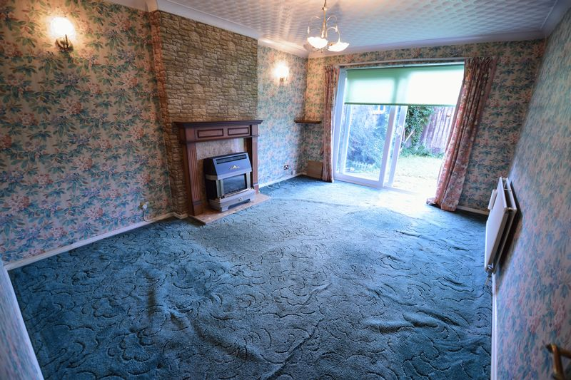 3 bedroom Bungalow to buy in Cuffley Close, Luton - Photo 6