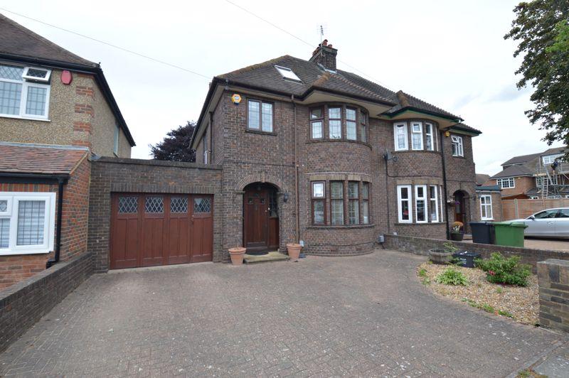 5 bedroom Semi-Detached  to buy in Westbury Gardens, Luton