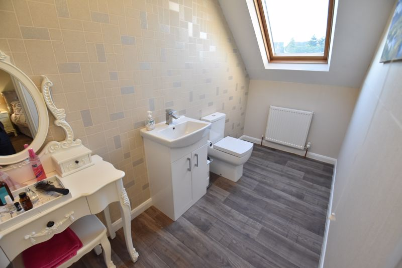 3 bedroom Semi-Detached  to buy in Icknield Way, Luton - Photo 15
