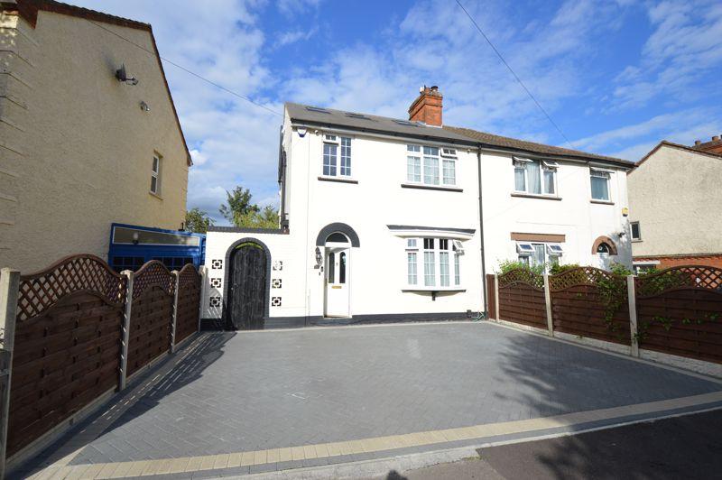 5 bedroom Semi-Detached  to buy in Brooms Road, Luton
