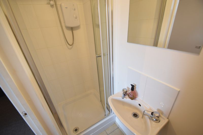 0 bedroom Flat to rent in 7a New Bedford Road, Luton - Photo 3