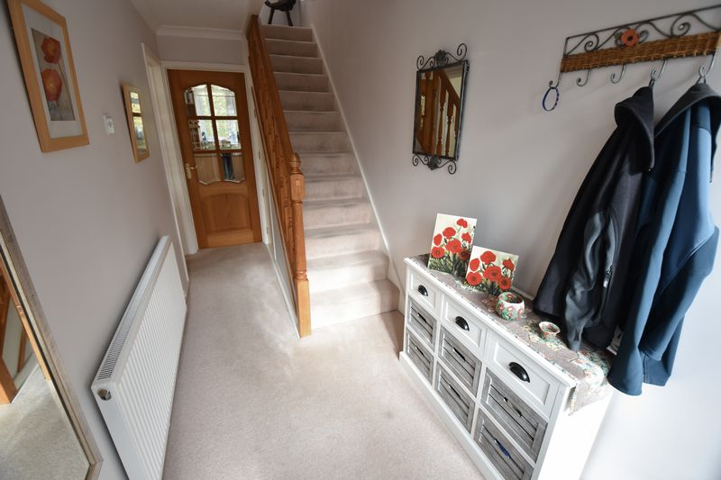 3 bedroom Semi-Detached  to buy in Carsdale Close, Luton - Photo 6
