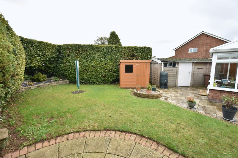3 bedroom Semi-Detached  to buy in Carsdale Close, Luton - Photo 14