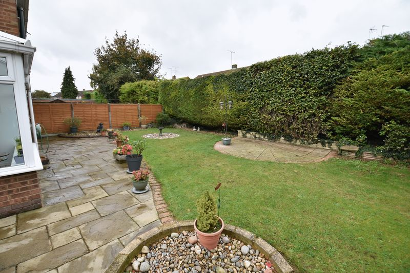 3 bedroom Semi-Detached  to buy in Carsdale Close, Luton - Photo 16