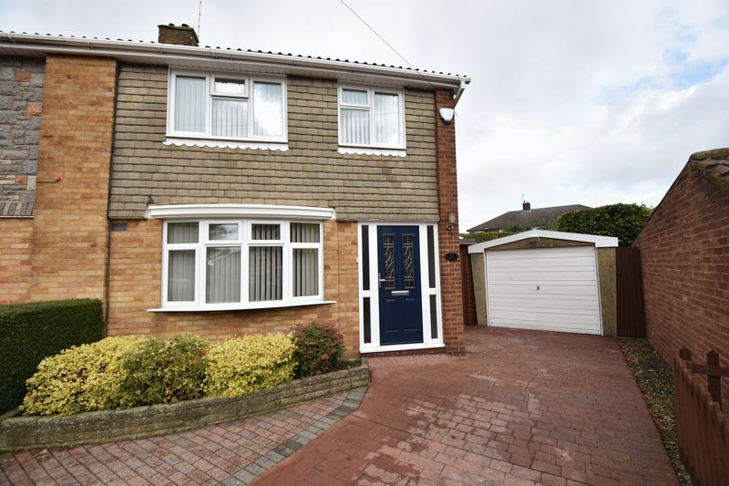 3 bedroom Semi-Detached  to buy in Carsdale Close, Luton - Photo 19