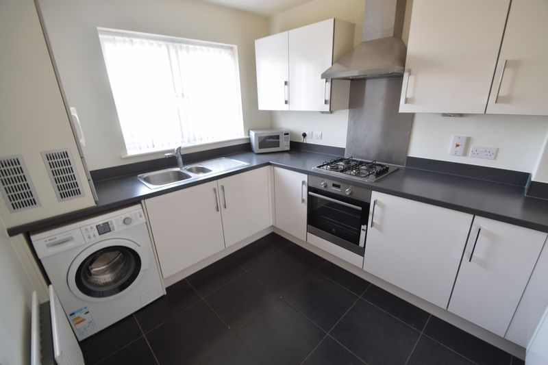 3 bedroom Semi-Detached  to rent in Farley Meadows, Luton - Photo 1