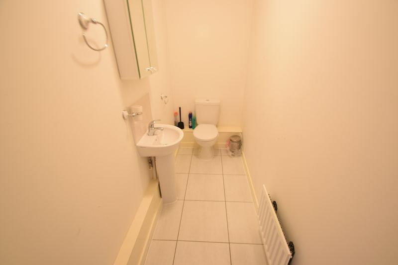 3 bedroom Semi-Detached  to rent in Farley Meadows, Luton - Photo 4