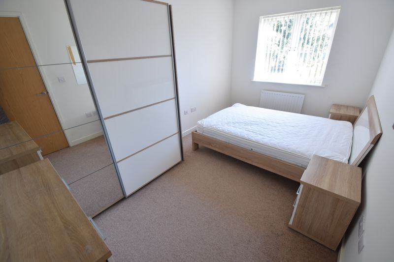 3 bedroom Semi-Detached  to rent in Farley Meadows, Luton - Photo 8