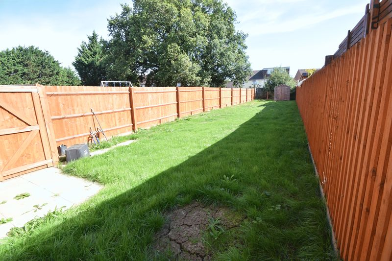 3 bedroom Semi-Detached  to rent in Farley Meadows, Luton - Photo 14