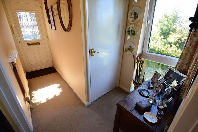 3 bedroom End Terrace to buy in Trowbridge Gardens, Luton - Photo 8