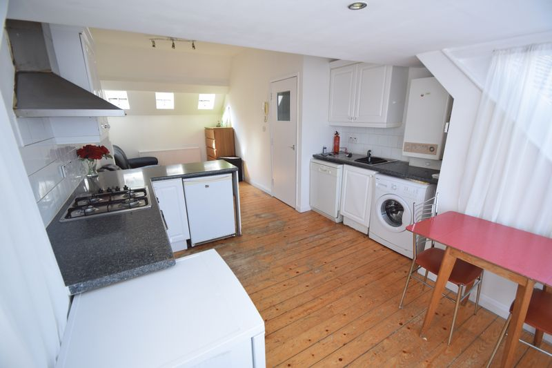 1 bedroom Flat to rent in Ashburnham Road, Luton