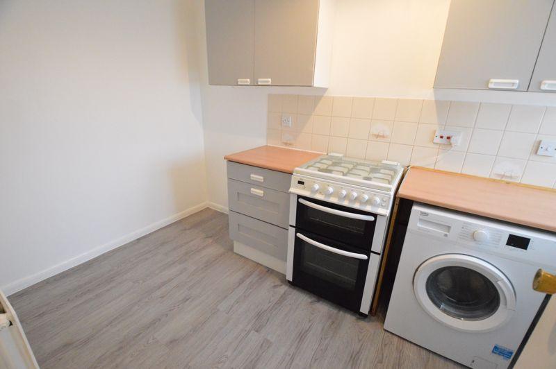 2 bedroom Semi-Detached  to buy in Coyney Green, Luton - Photo 2