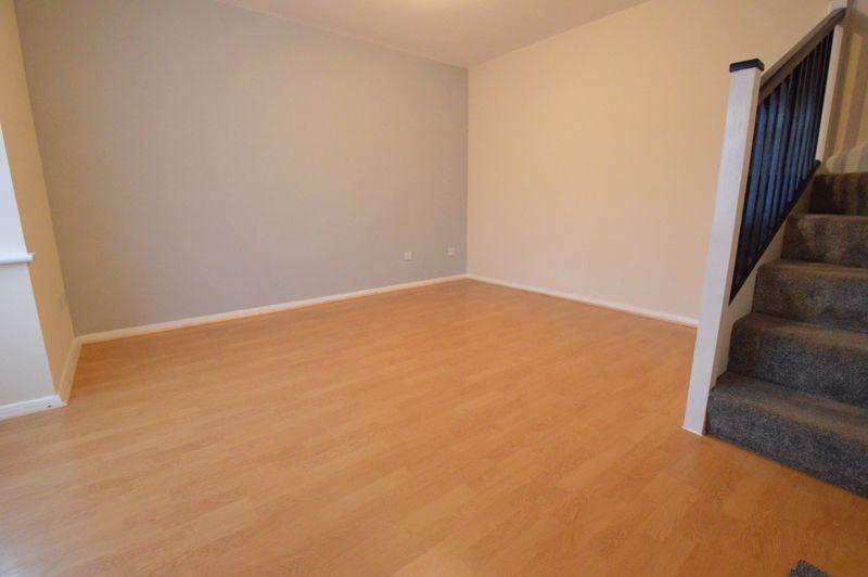 2 bedroom Semi-Detached  to buy in Coyney Green, Luton - Photo 3