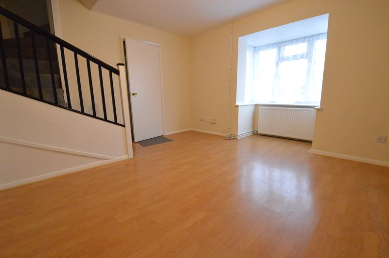 2 bedroom Semi-Detached  to buy in Coyney Green, Luton - Photo 4