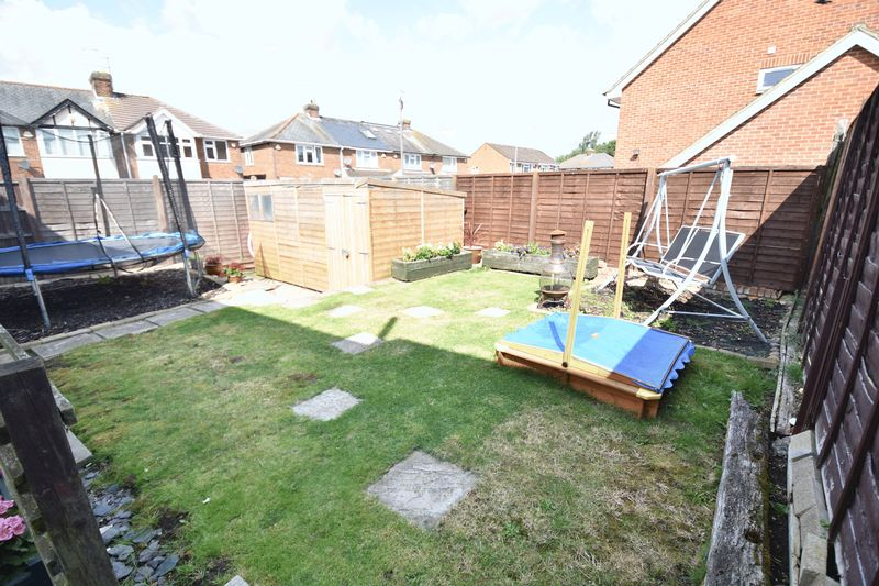4 bedroom Semi-Detached  to buy in Chesford Road, Luton - Photo 1