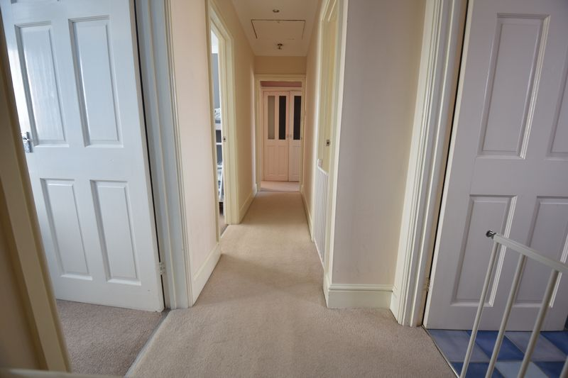 4 bedroom Semi-Detached  to buy in Chesford Road, Luton - Photo 6