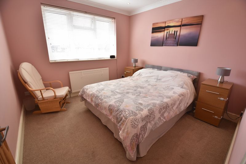 4 bedroom Semi-Detached  to buy in Chesford Road, Luton - Photo 7