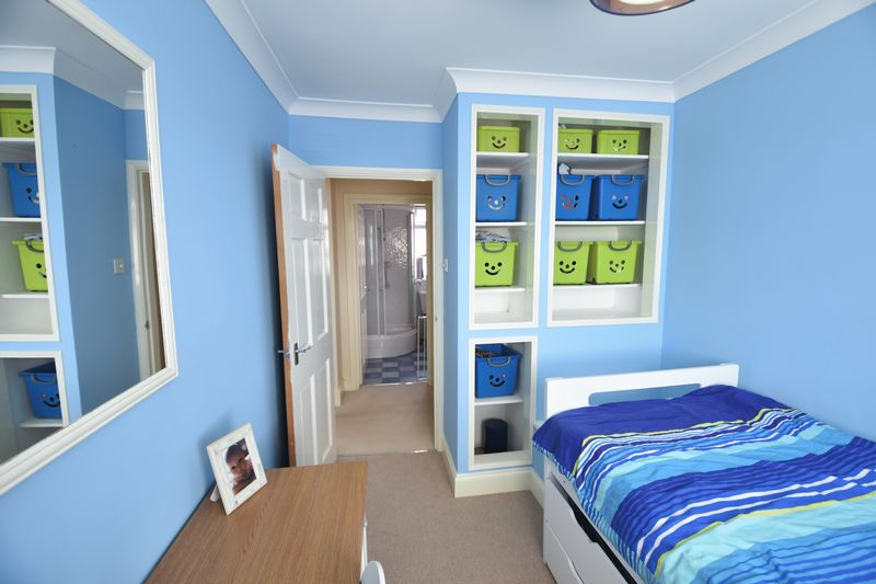 4 bedroom Semi-Detached  to buy in Chesford Road, Luton - Photo 12