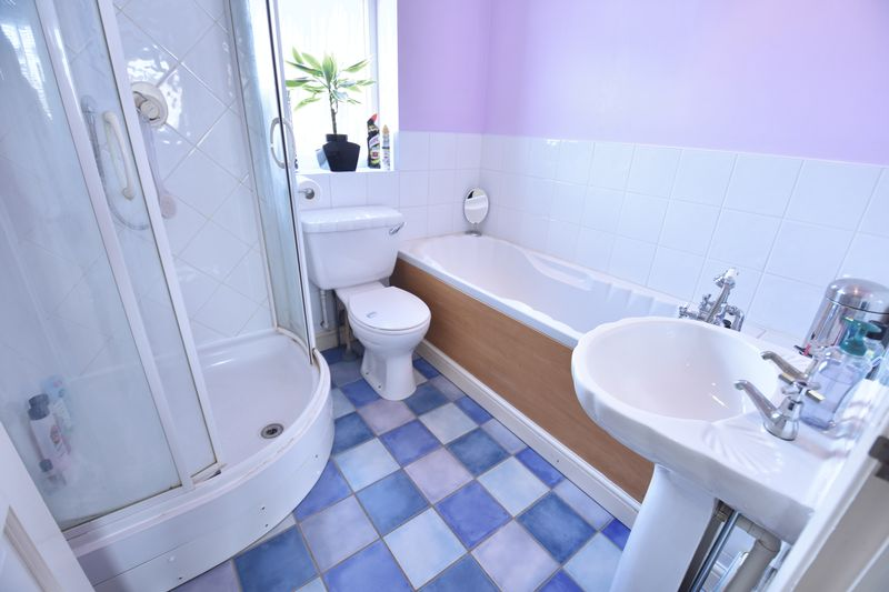 4 bedroom Semi-Detached  to buy in Chesford Road, Luton - Photo 14