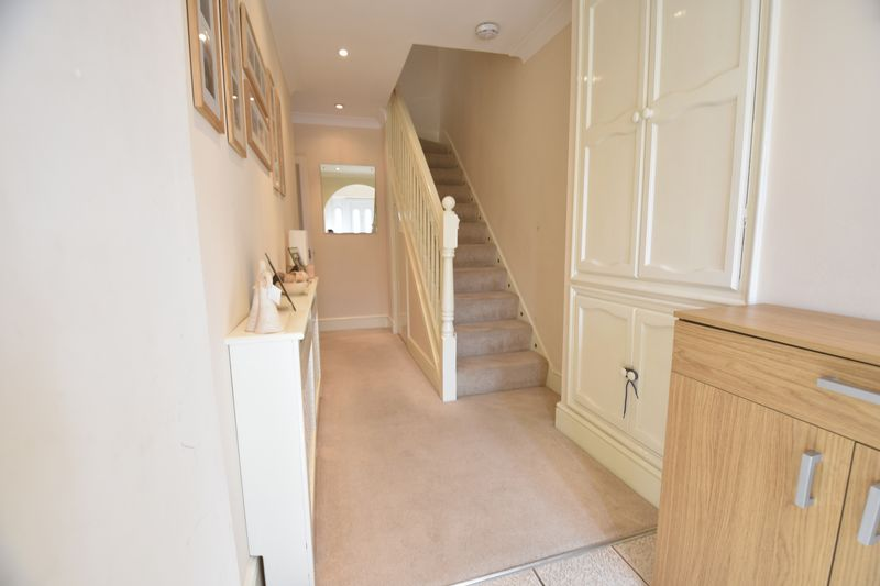 4 bedroom Semi-Detached  to buy in Chesford Road, Luton - Photo 15