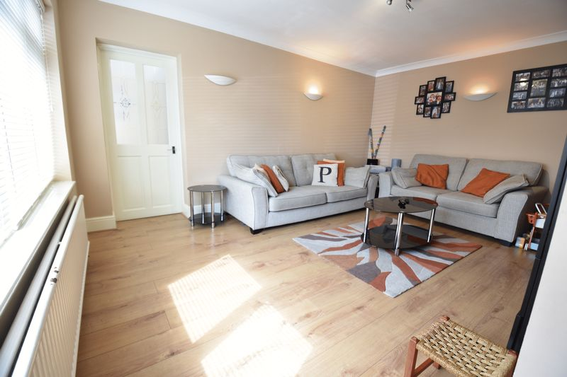 4 bedroom Semi-Detached  to buy in Chesford Road, Luton - Photo 19