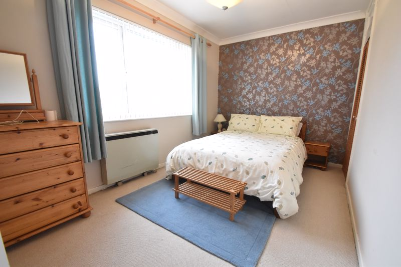 3 bedroom Semi-Detached  to buy in The Grove, Luton - Photo 1