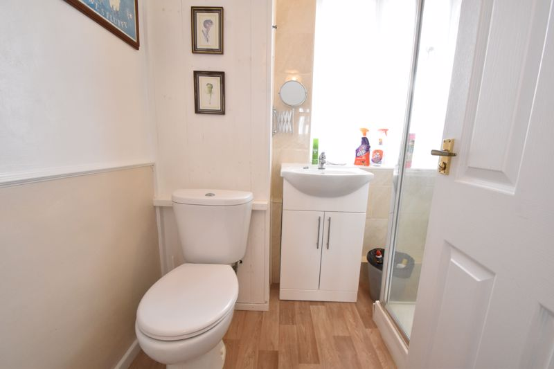3 bedroom Semi-Detached  to buy in The Grove, Luton - Photo 6