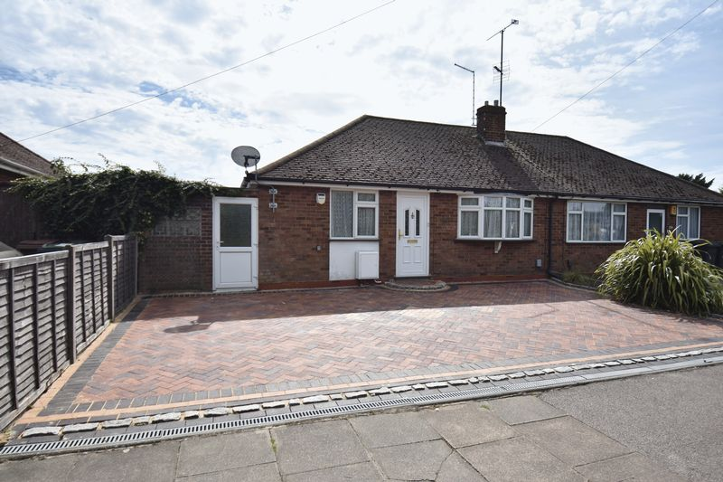 2 bedroom Bungalow to buy in Leagrave High Street, Luton