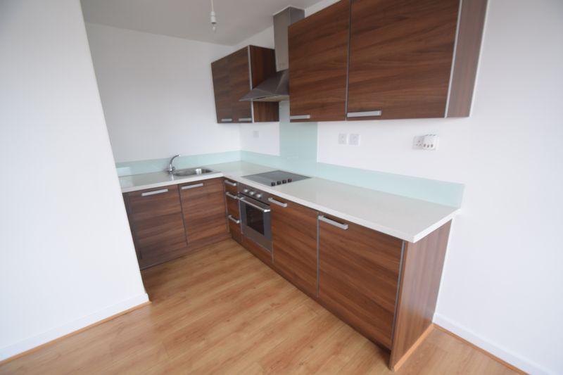 1 bedroom Flat to rent in Midland Road, Luton - Photo 8