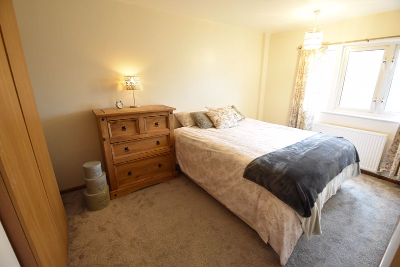 3 bedroom Maisonette to buy in Arrow Close, Luton - Photo 4