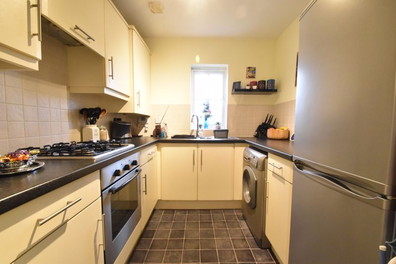 1 bedroom Apartment / Studio to buy in The Wickets, Luton - Photo 6