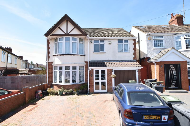 5 bedroom Detached  to buy in High Mead, Luton