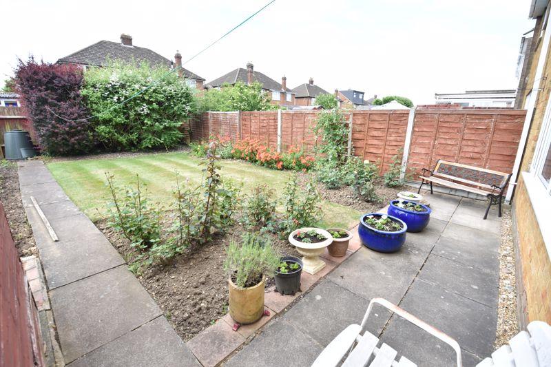 3 bedroom Semi-Detached  to buy in Beaconsfield, Luton - Photo 17