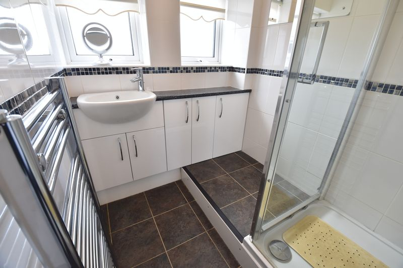3 bedroom Semi-Detached  to buy in Beaconsfield, Luton - Photo 1