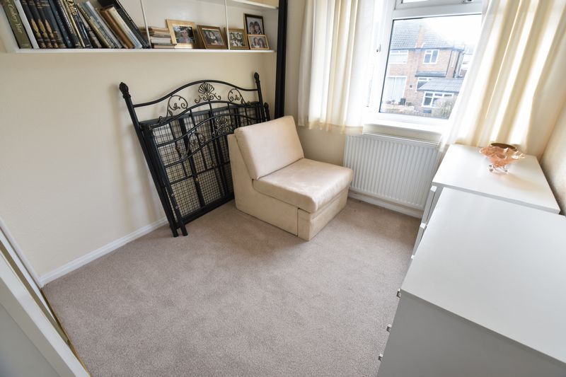 3 bedroom Semi-Detached  to buy in Beaconsfield, Luton - Photo 4