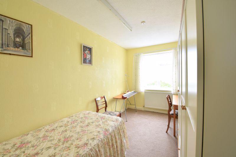 3 bedroom Semi-Detached  to buy in Links Way, Luton - Photo 1