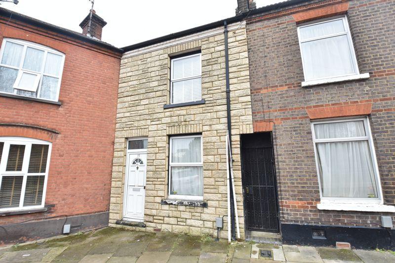 3 bedroom  to buy in Cambridge Street, Luton