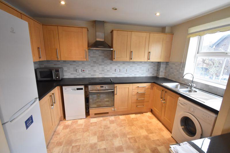 2 bedroom Apartment / Studio to buy in Holly Street, Luton - Photo 3